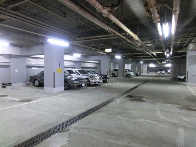 マンション駐車場と部屋が同じ税額 納得出来ず 法廷へ