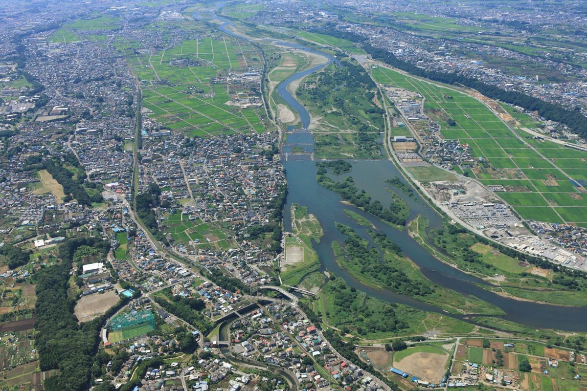 相模川を上空から撮影